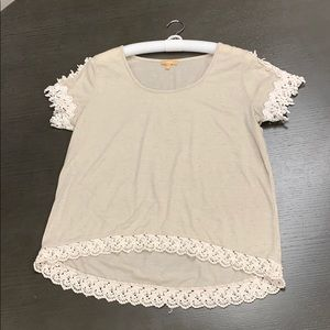 Beige tee with cream lace detail